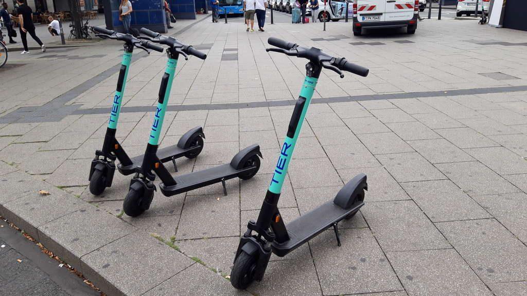 tier scooter berlin stuttgart mannheim hamburg 1024x576 - Elektro Scooter Tier Gutscheincodes